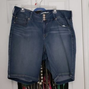 Torrid size 24 bermuda jean shorts